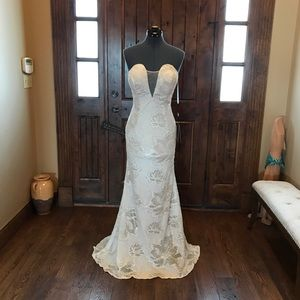 """TERANI Ivory & """"Nude"""" Lace Strapless Gown! NEW!!!"""